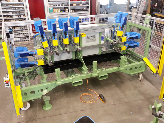 Drilling machine for bent pipes